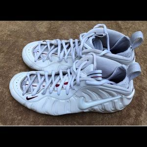 Nike Shoes - Nike Air Foamposite Pro White Gucci Gorge Green da942b21b
